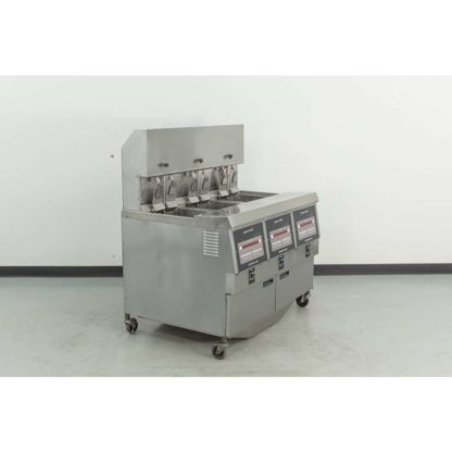 Reconditioned Henny Penny OGA-323 195 lb. 3-Vat Gas Fryer w/Filtration System