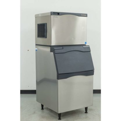 Reconditioned Scotsman C0530MA-1C 525 lb. Air Cooled Medium Cube Ice Machine w/B530S 536 lb. Bin