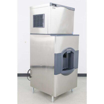 Scotsman CO330SA-1B 400 lb. Air Cooled Small Cube Ice Maker WHD30B-1H 180 lb. Ice Dispenser pre-640096