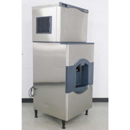 Scotsman C0530MA-1C 525 lb. Air Cooled Medium Cube Ice Maker wHD30W-1H 180 lb. Hotel Ice & Water Dispenser pre-640099